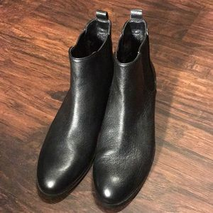 Cole Haan Leather Bootie Sz8.5